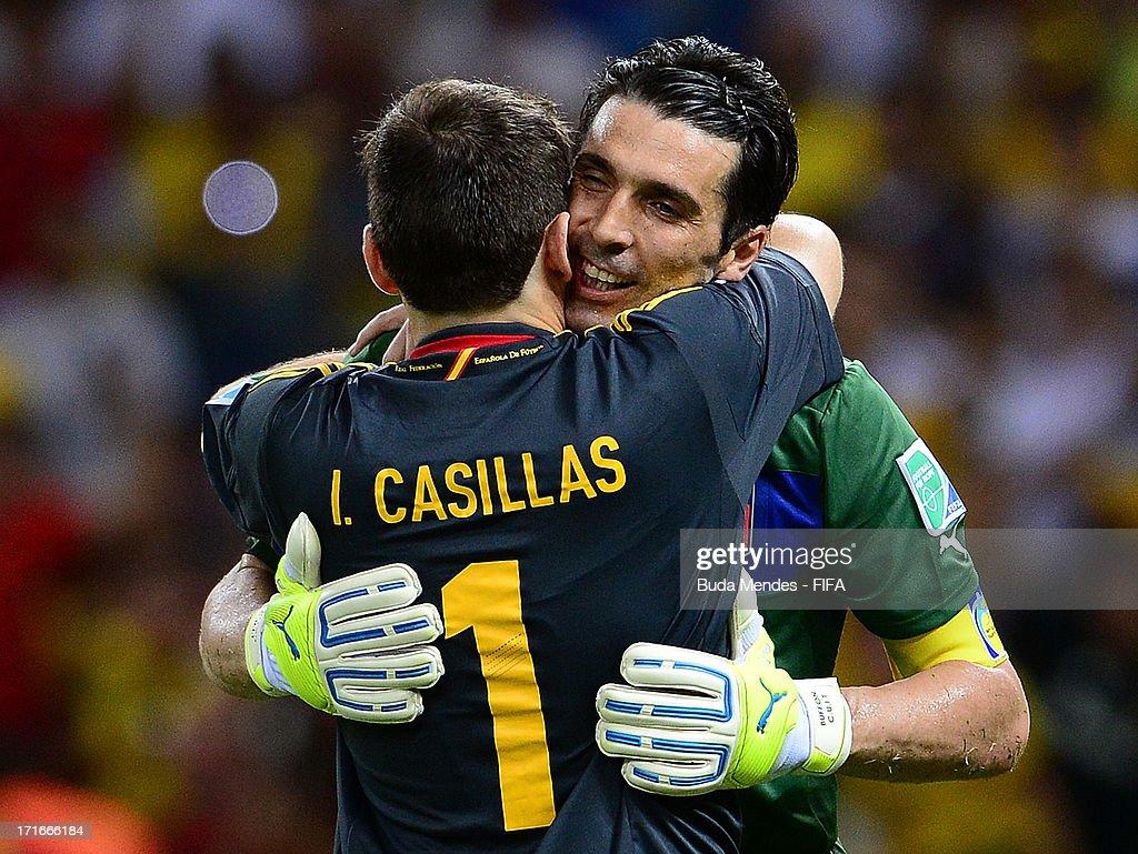Spain v Italy: Semi Final - FIFA Confederations Cup Brazil 2013 : News Photo