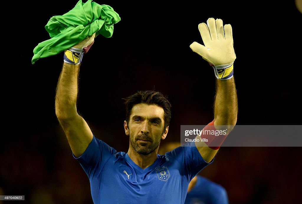 Gianluigi Buffon of Italy greets at the end of the game the intermational friendly match between Belgium and Italy at King Baudouin Stadium on November 13, 2015 in Brussels, Belgium.