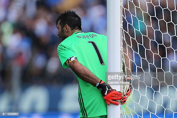 Gianluigi Buffon of Juventus FC during the Serie A match between Empoli FC and Juventus FC at Stadio Carlo Castellani on October 2 2016 in Empoli...