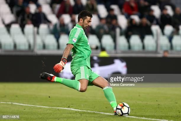 Gianluigi Buffon of Juventus FC gestures during the Serie A football match between Juventus FC and Atalanta Bergamasca Calcio Juventus Fc wins 20...