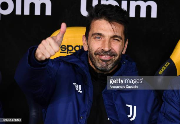 Gianluigi Buffon of Juventus gives a thumbs up prior to the Serie A match between Hellas Verona FC and Juventus at Stadio Marcantonio Bentegodi on...