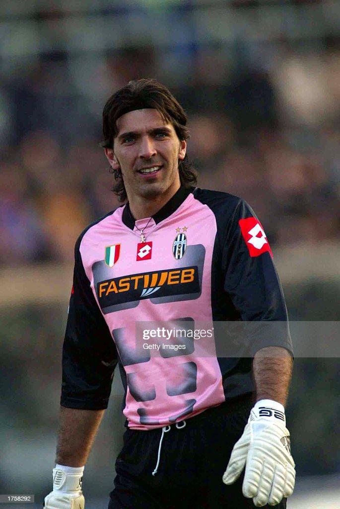 Gianluigi Buffon of Juventus in action : News Photo