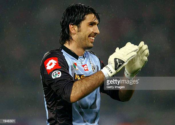 Gianluigi Buffon of Juventus in action during the Serie A match between Juventus and Roma played at the Stadio Delle Alpi Turin Italy on April 19 2003