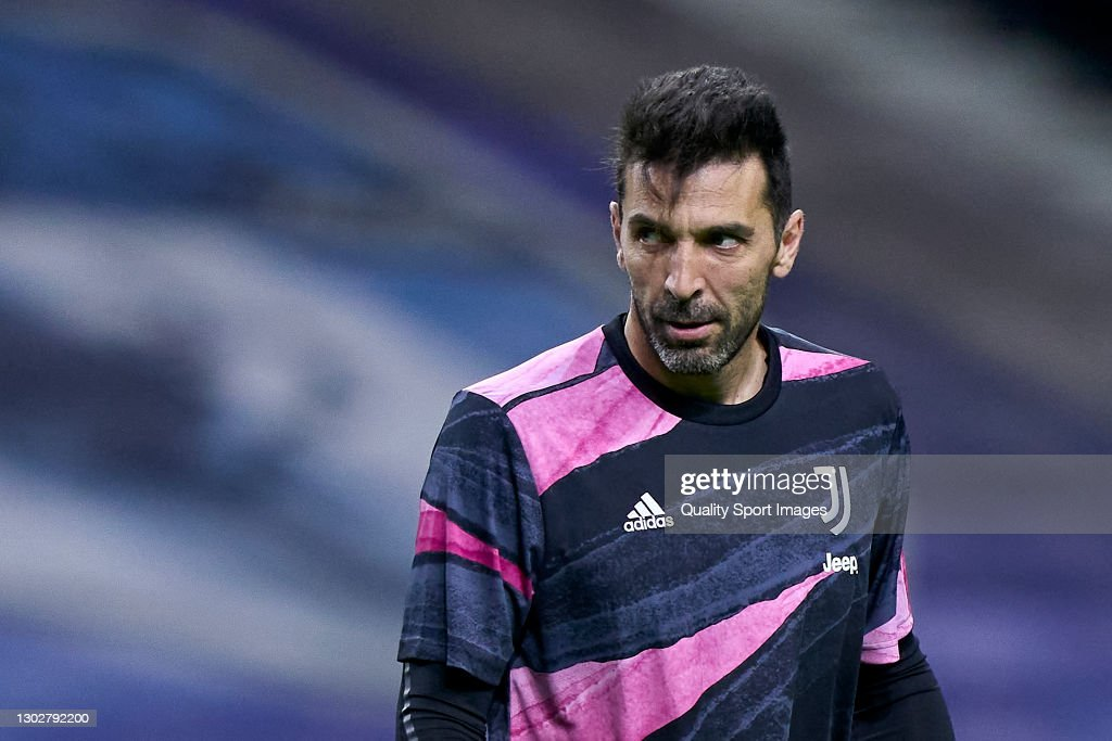 FC Porto v Juventus  - UEFA Champions League Round Of 16 Leg One : News Photo