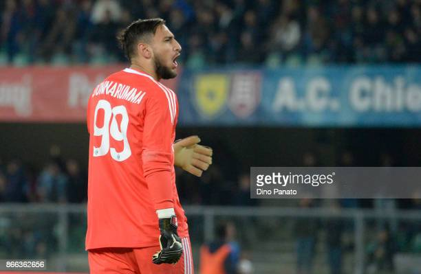 Gianluigi Donnarumma goalkeeper of AC Milan reacts during the Serie A match between AC Chievo Verona and AC Milan at Stadio Marc'Antonio Bentegodi on...