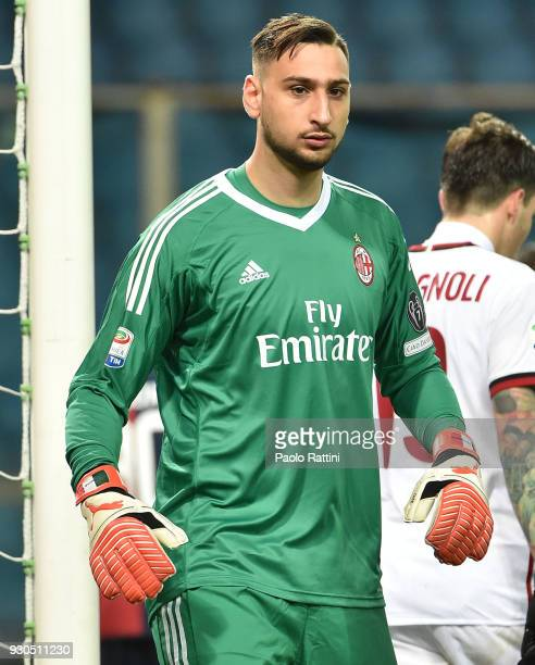 Gianluigi Donnarumma goalkeeper of Milan during the serie A match between Genoa CFC and AC Milan at Stadio Luigi Ferraris on March 11 2018 in Genoa...