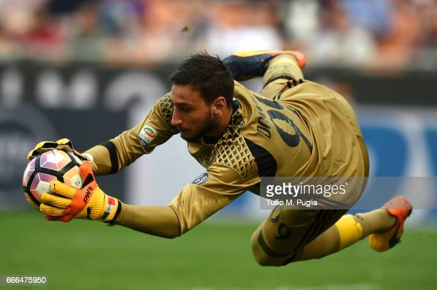 Gianluigi Donnarumma goalkeeper of Milan in action during the Serie A match between AC Milan and US Citta di Palermo at Stadio Giuseppe Meazza on...