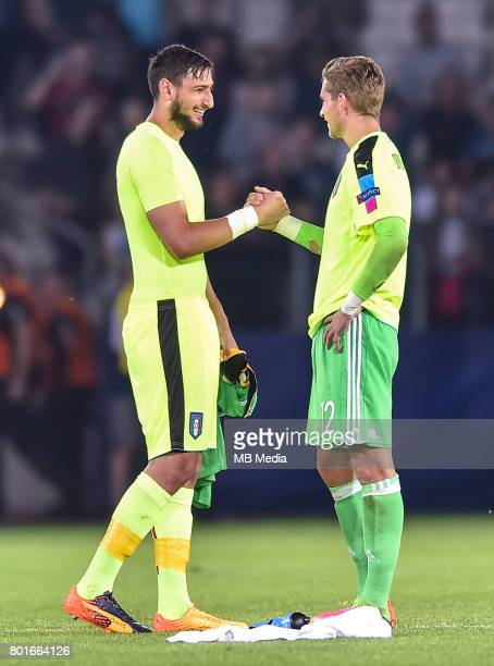 Gianluigi Donnarumma Julian Pollersbeck during the UEFA European Under21 match between Italy and Germany on June 24 2017 in Krakow Poland