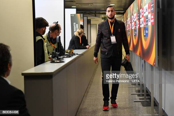 Gianluigi Donnarumma of AC Milan arrives at his dressing room ahead the UEFA Europa League group D match between AC Milan and AEK Athens on October...
