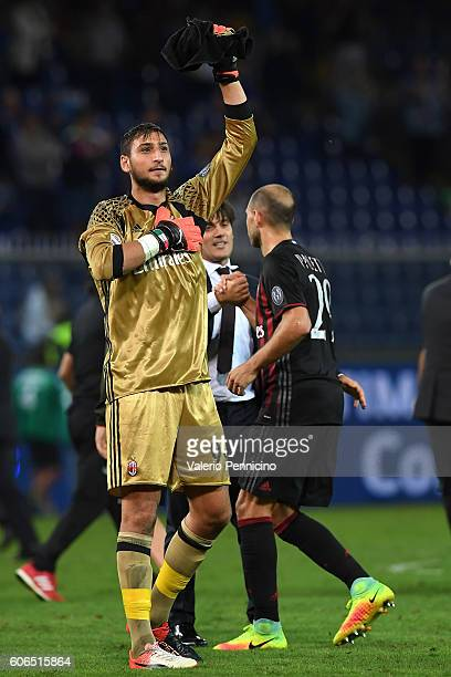 Gianluigi Donnarumma of AC Milan celebrates victory at the end of the Serie A match between UC Sampdoria and AC Milan at Stadio Luigi Ferraris on...