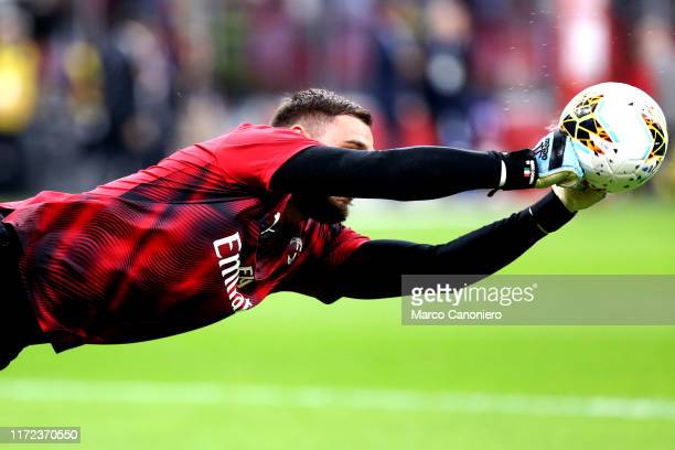 Gianluigi Donnarumma of Ac Milan during the warmup before the Serie A match between Ac Milan and Acf Fiorentina Acf Fiorentina wins 31 over Ac Milan