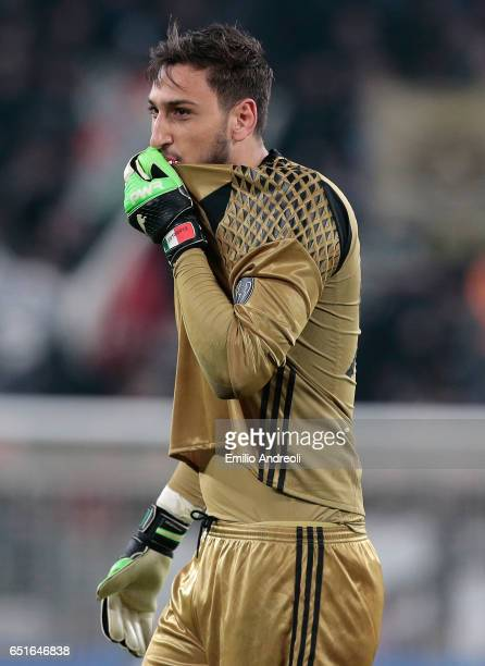 Gianluigi Donnarumma of AC Milan greets the fans at the end of the Serie A match between Juventus FC and AC Milan at Juventus Stadium on March 10...