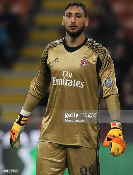 Gianluigi Donnarumma of AC Milan looks on during the Serie A match between AC Milan and AS Roma at Stadio Giuseppe Meazza on May 7 2017 in Milan Italy