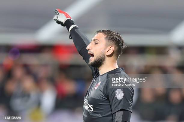 Gianluigi Donnarumma of AC Milan reacts during the Serie A match between ACF Fiorentina and AC Milan at Stadio Artemio Franchi on May 11 2019 in...