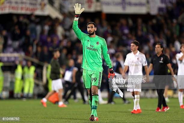 Gianluigi Donnarumma of AC Milan reacts during the Serie A match between ACF Fiorentina and AC Milan at Stadio Artemio Franchi on September 25 2016...