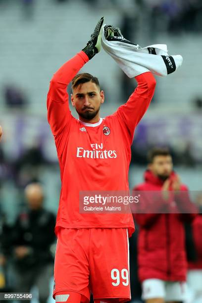 Gianluigi Donnarumma of AC Milan reacts during the serie A match between ACF Fiorentina and AC Milan at Stadio Artemio Franchi on December 30 2017 in...