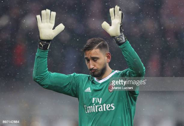 Gianluigi Donnarumma of AC Milan salutes the fans at the end of the Serie A match between AC Milan and Bologna FC at Stadio Giuseppe Meazza on...