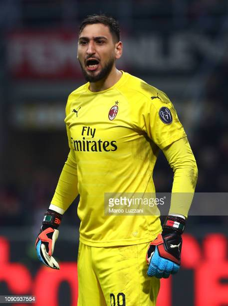 Gianluigi Donnarumma of AC Milan shouts during the Coppa Italia match between AC Milan and SSC Napoli at Stadio Giuseppe Meazza on January 29 2019 in...