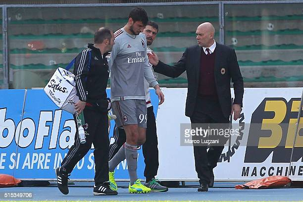 Gianluigi Donnarumma of AC Milan walk off with an injury during the Serie A match between AC Chievo Verona and AC Milan at Stadio Marc'Antonio...