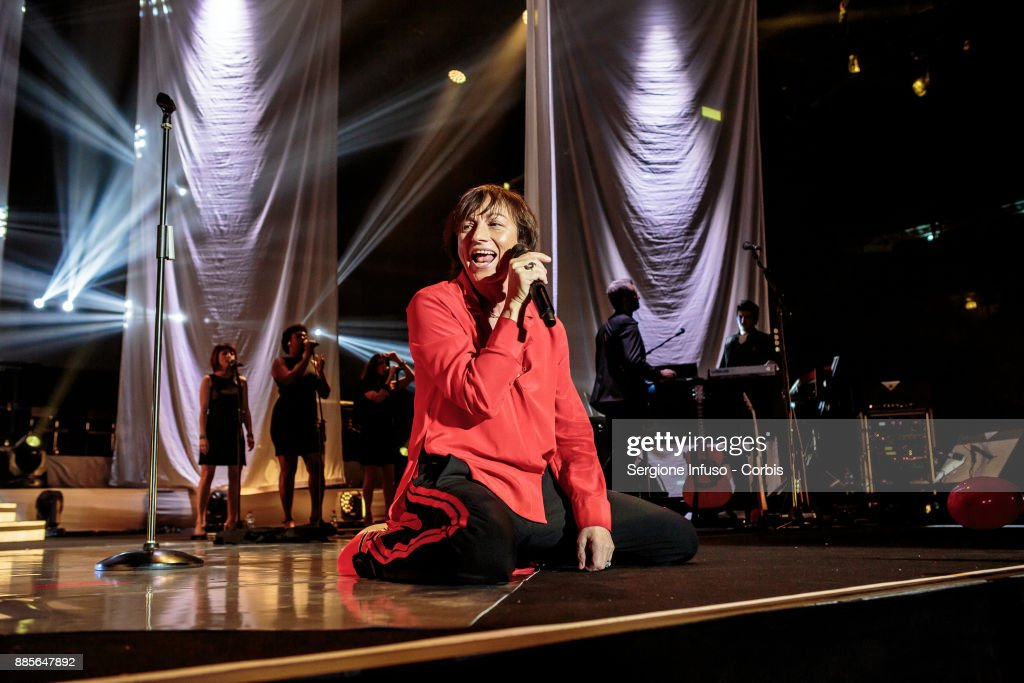 Gianna Nannini performs on stage Mediolanum Forum of Assagoon December 4, 2017 in Milan, Italy.