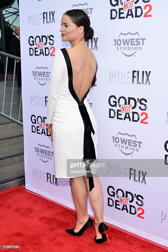 Gianna Simone attends the premiere of Pure Flix Entertainment's 'God's Not Dead 2' at Directors Guild Of America on March 21, 2016 in Los Angeles, California.