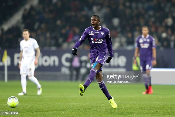 Giannelli Imbula of Toulouse during the Ligue 1 match between Toulouse FC and FC Metz at Stadium Municipal on November 18 2017 in Toulouse