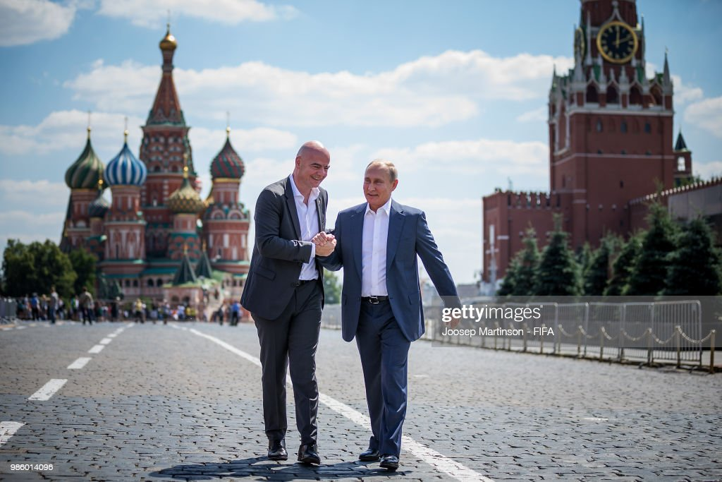 Gianni Infantino and Vladimir Putin attend Football Event in Red Square : Nieuwsfoto's