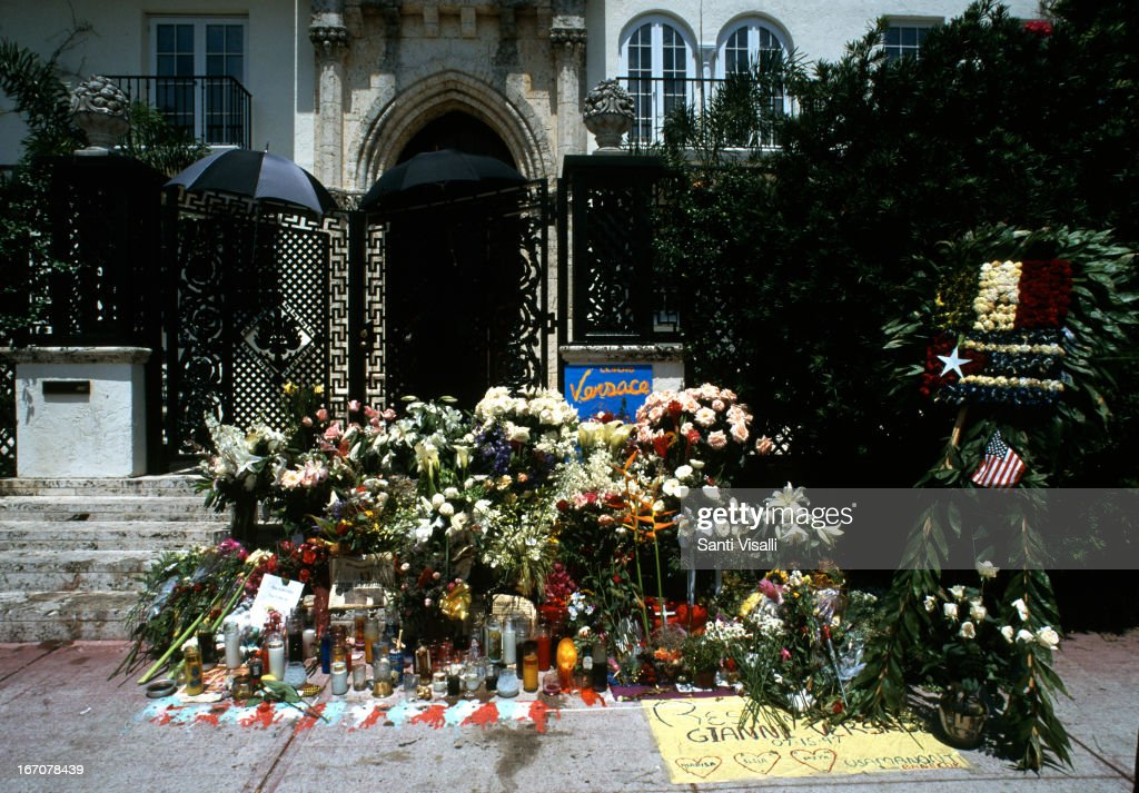 124 Gianni Versace Murder Photos And Premium High Res Pictures Getty Images