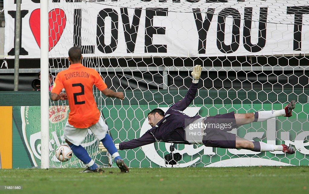 Netherlands v England - UEFA U21 Championship Semi Final : Foto di attualità