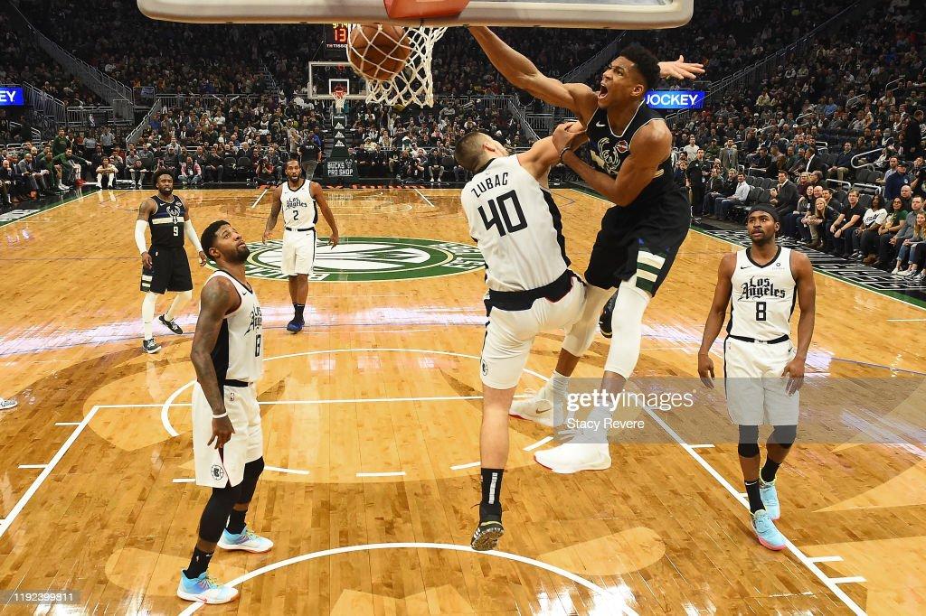 Los Angeles Clippers v Milwaukee Bucks : ニュース写真