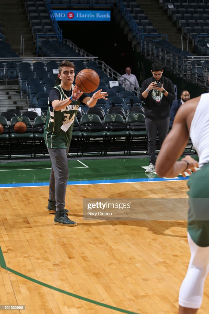Make a Wish with Giannis Antetokounmpo : Foto di attualità