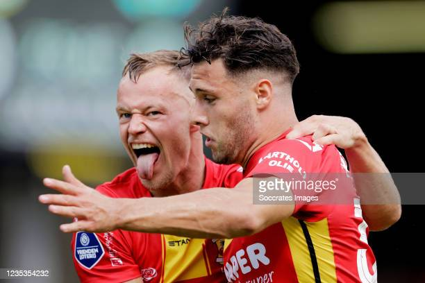 Giannis Botos of Go Ahead Eagles celebrates 1-0 with Boyd Lucassen of Go Ahead Eagles during the Dutch Eredivisie match between Go Ahead Eagles v PEC...