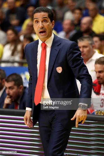 Giannis Sfairopoulos Head Coach of Olympiacos Piraeus in action during the 2017/2018 Turkish Airlines EuroLeague Regular Season Round 3 game between...