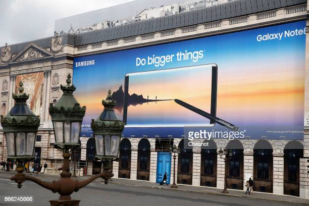 A giant advertisement for the new Samsung Galaxy Note 8 phone is displayed on Place de la Concorde on October 25 2017 in Paris France The new Galaxy...