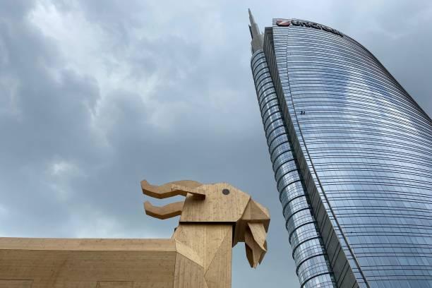 ITA: Giant Billygoat Installation In Milan