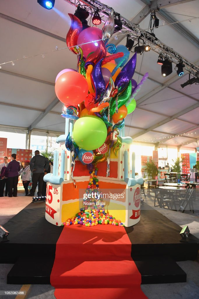 Miraculous A Giant Birthday Cake On Display During The Food Networks Rooftop Birthday Cards Printable Trancafe Filternl