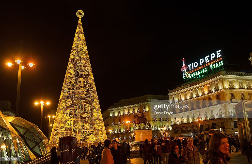 Christmas Lighting in Madrid Photos and Images | Getty Images