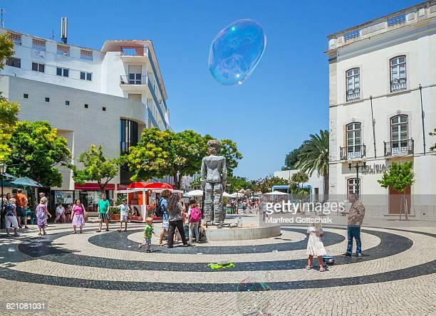 giant soap bubbles at Praca de Gil Eanes