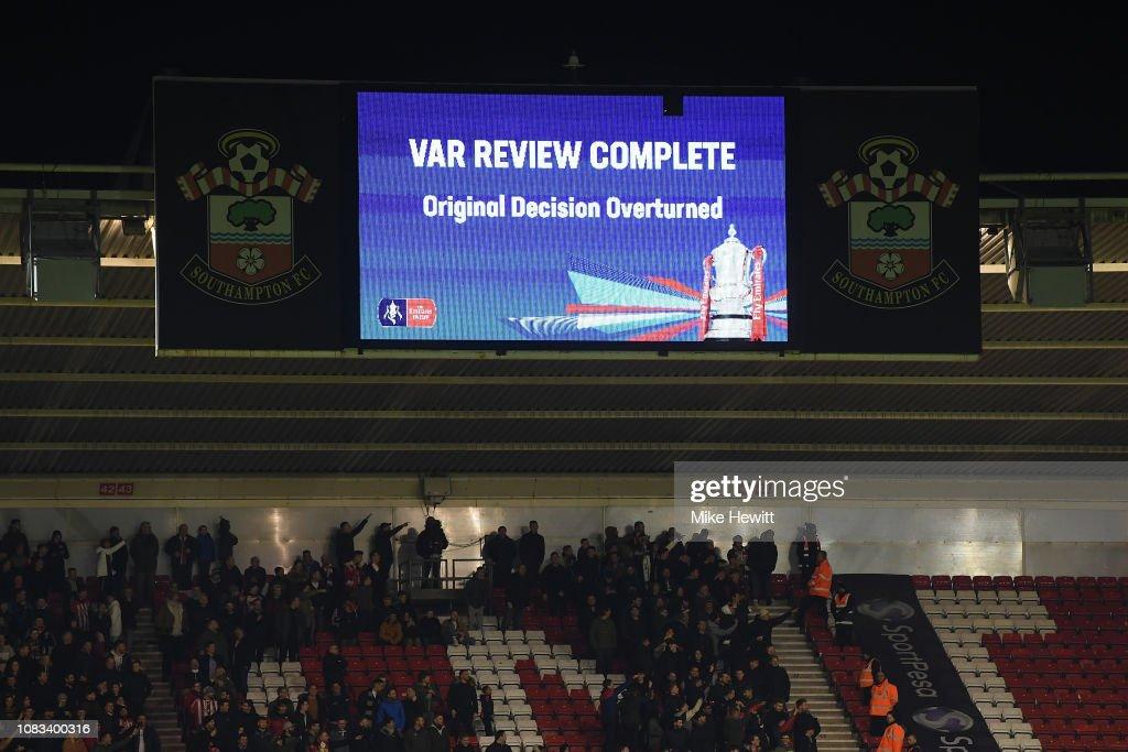 Southampton FC v Derby County- FA Cup Third Round Replay : Fotografía de noticias