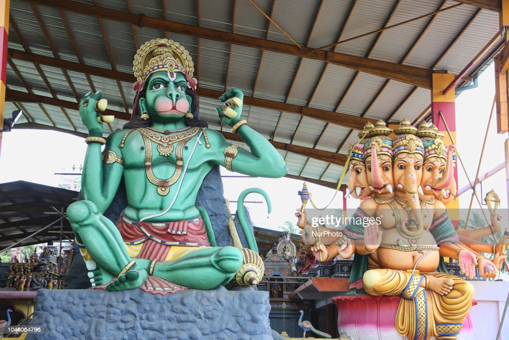 Giant statues of Lord Hanuman and Lord Ganesh at the Punchi