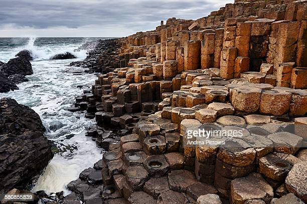 giant's causeway, northern ireland - giant's causeway stock pictures, royalty-free photos & images