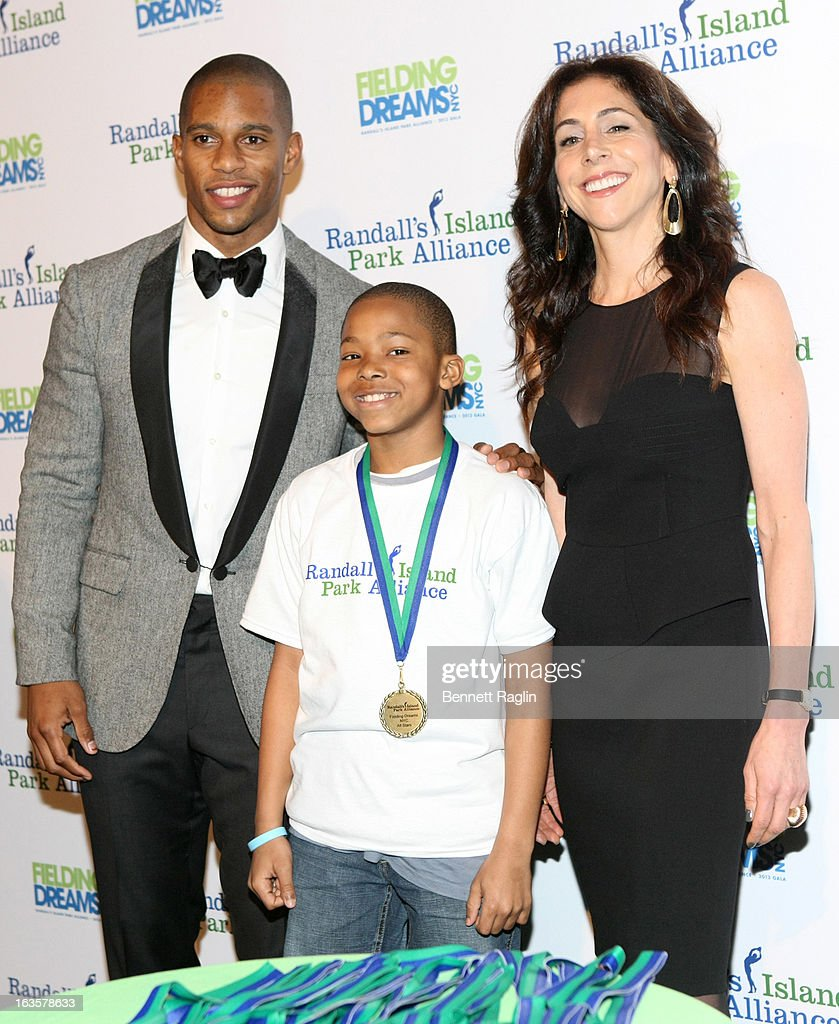 NY Giants player Victor Cruz and Stacy Bash-Polley attend the Randall's Island Park Alliance Fielding Dreams 2013 Gala at American Museum of Natural History on March 12, 2013 in New York City.