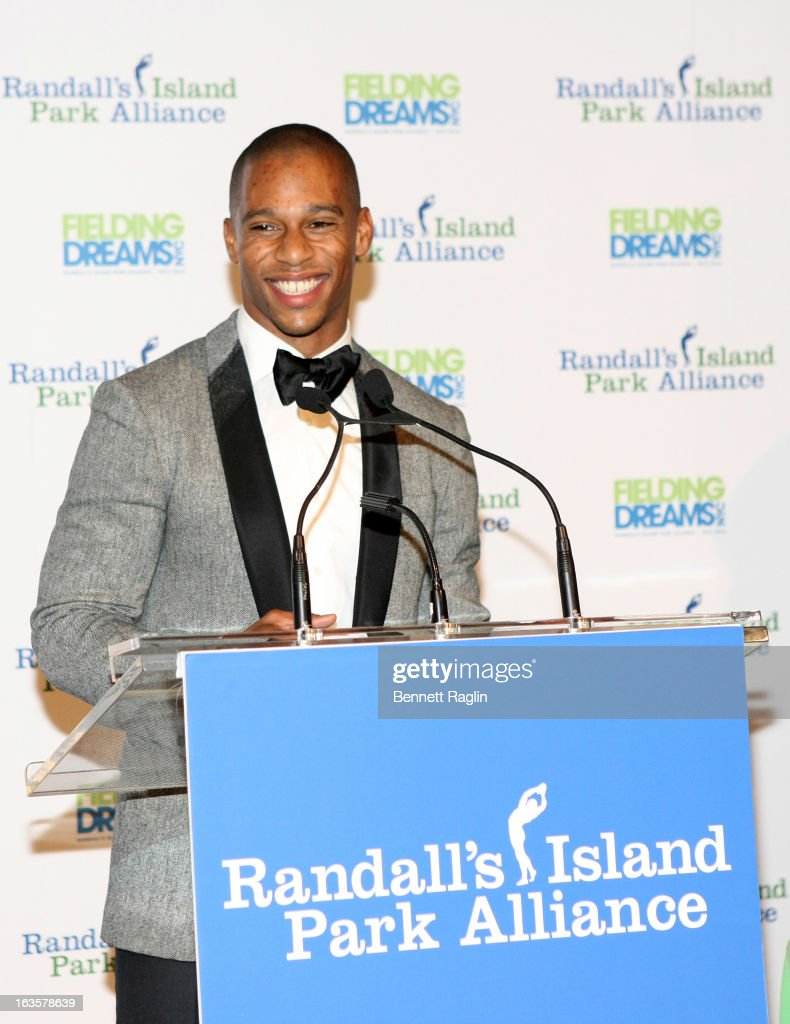 NY Giants player Victor Cruz attends the Randall's Island Park Alliance Fielding Dreams 2013 Gala at American Museum of Natural History on March 12, 2013 in New York City.