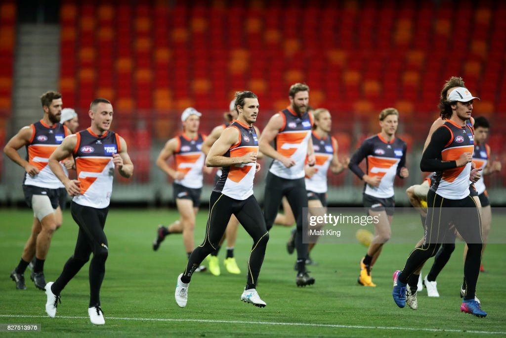 Giants players warm up during a Greater Western Sydney Giants AFL training session at Spotless Stadium on August 8, 2017 in Sydney, Australia.