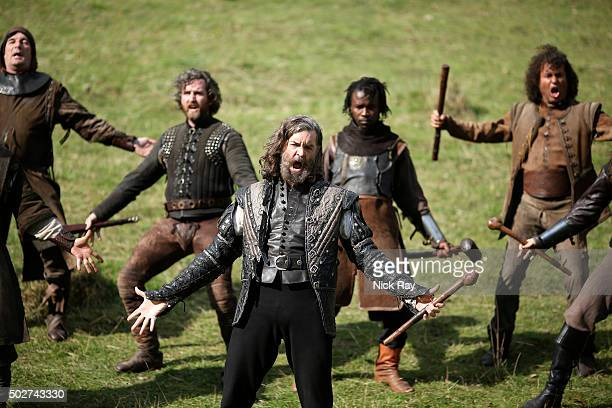 GALAVANT 'Giants vs Dwarves' Galavant is fed up with Richard after he trades the Jewel of Valencia for a dragon and travels to find the giants on his...