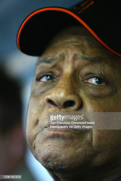 Giants_397_df.JPG ;Willie Mays came to Houston to see if his godson, Barry Bonds can tie his homerun record. He is in the Giants dugout. San...