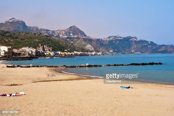 giardini naxos taormina (editorial) - naxos sicily stock pictures, royalty-free photos & images