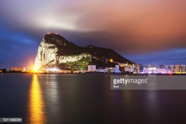 gibraltar - city and upper rock - gibraltar/ uk - ジブラルタルの岩山 ストックフォトと画像