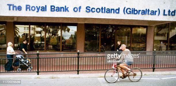 Gibraltar The Rock Breat Britain Spanien vor der Volksabstimmung gegen die Losloesung von London Referendum Union Jack