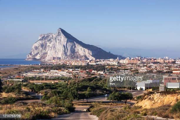 gibraltar - upper rock and la linea de la conception - ジブラルタルの岩山 ストックフォトと画像